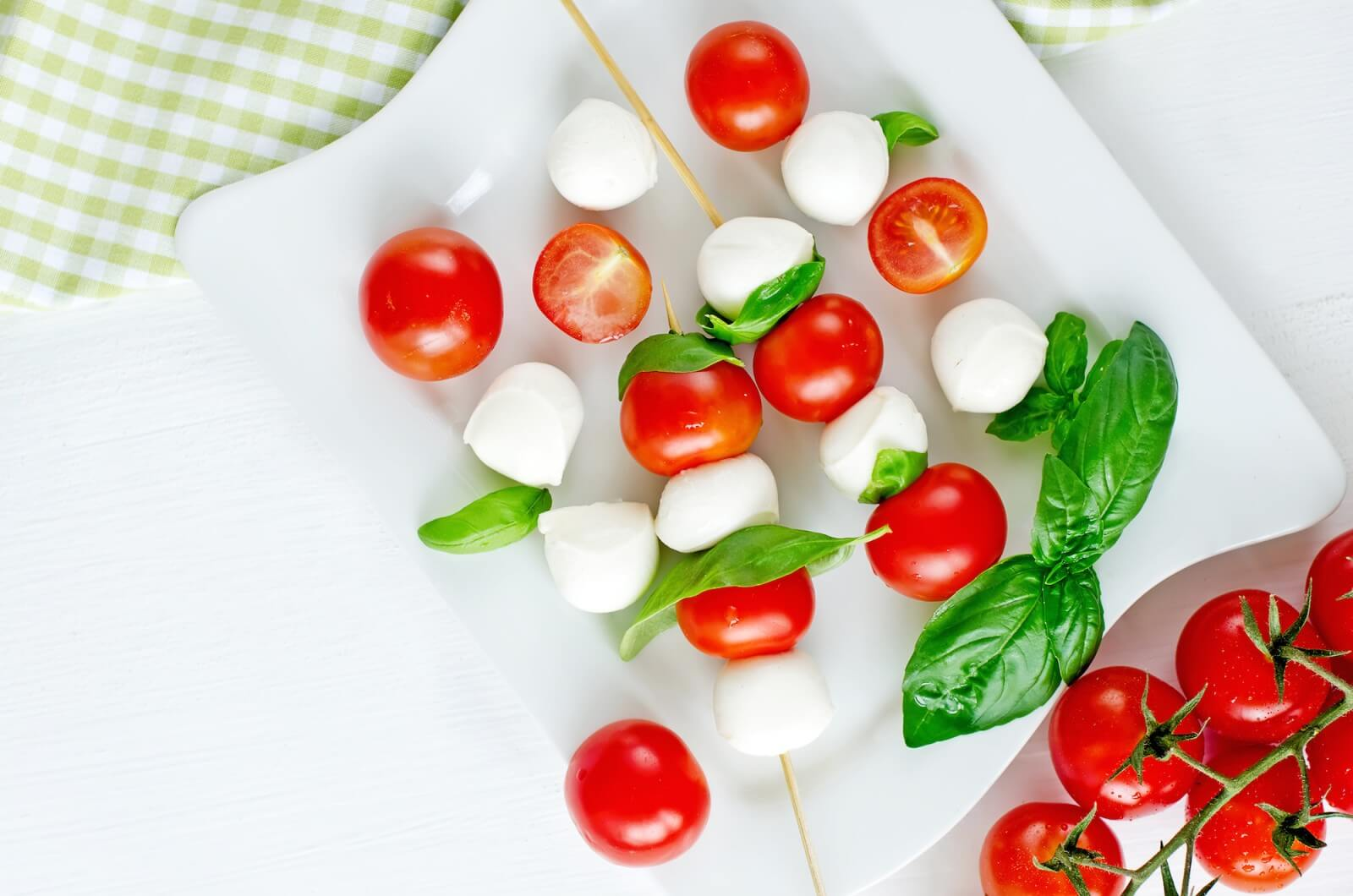 Salad with Arugula & Cherry Tomatoes